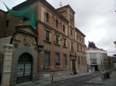 Correos rehabilitar su edificio de teniente figueroa y for Oficina de correos guadalajara