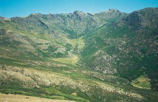 Rutas: Desde El Cardoso hasta el pico del Lobo