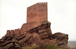 Rutas: Zafra, un castillo perdido en la raya de Aragón