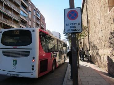 """Los autobuses de Marchamalo ignoran las nuevas señales de """"prohibido ..."""